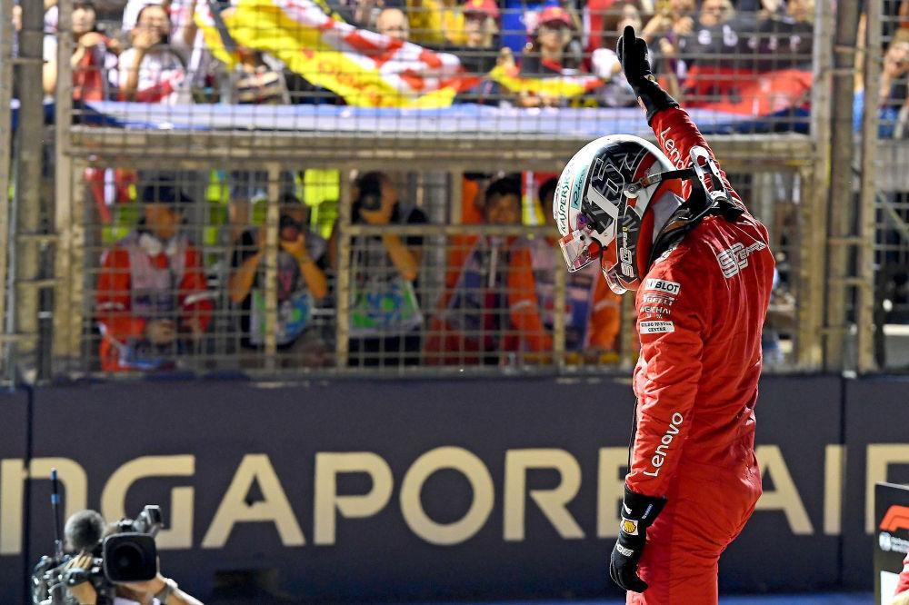 Charles Leclerc alustab Singapuri GP-d parimalt stardikohalt