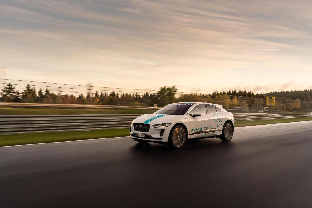 Jaguar teeb Nürburgringil I-Pace'iga taksosõite
